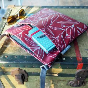 Eucalyptus Medium Crossbody Bag